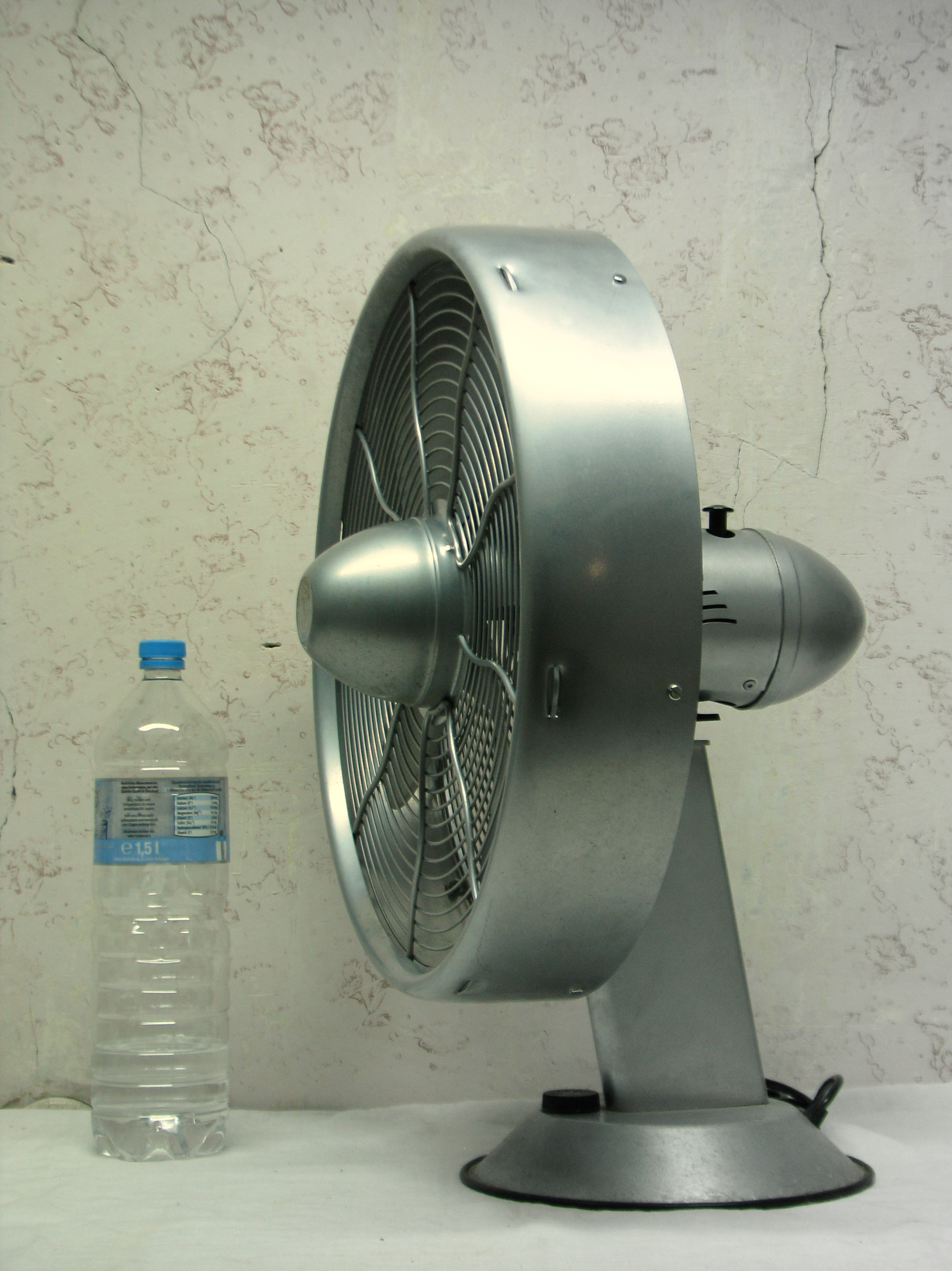 Ventilator 56 cm design streamline fan usa machine age for Design tischventilator
