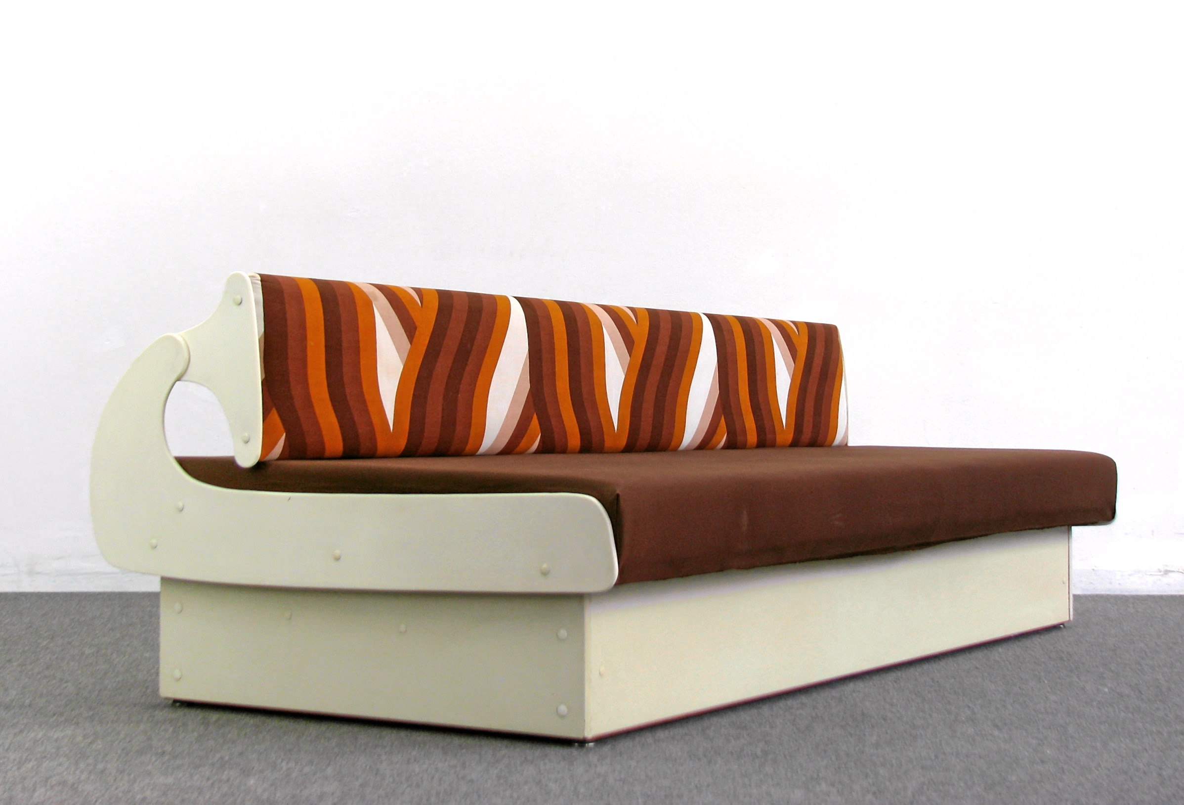70s daybed colani style couch sofa liege orbit design space age 70er ebay. Black Bedroom Furniture Sets. Home Design Ideas