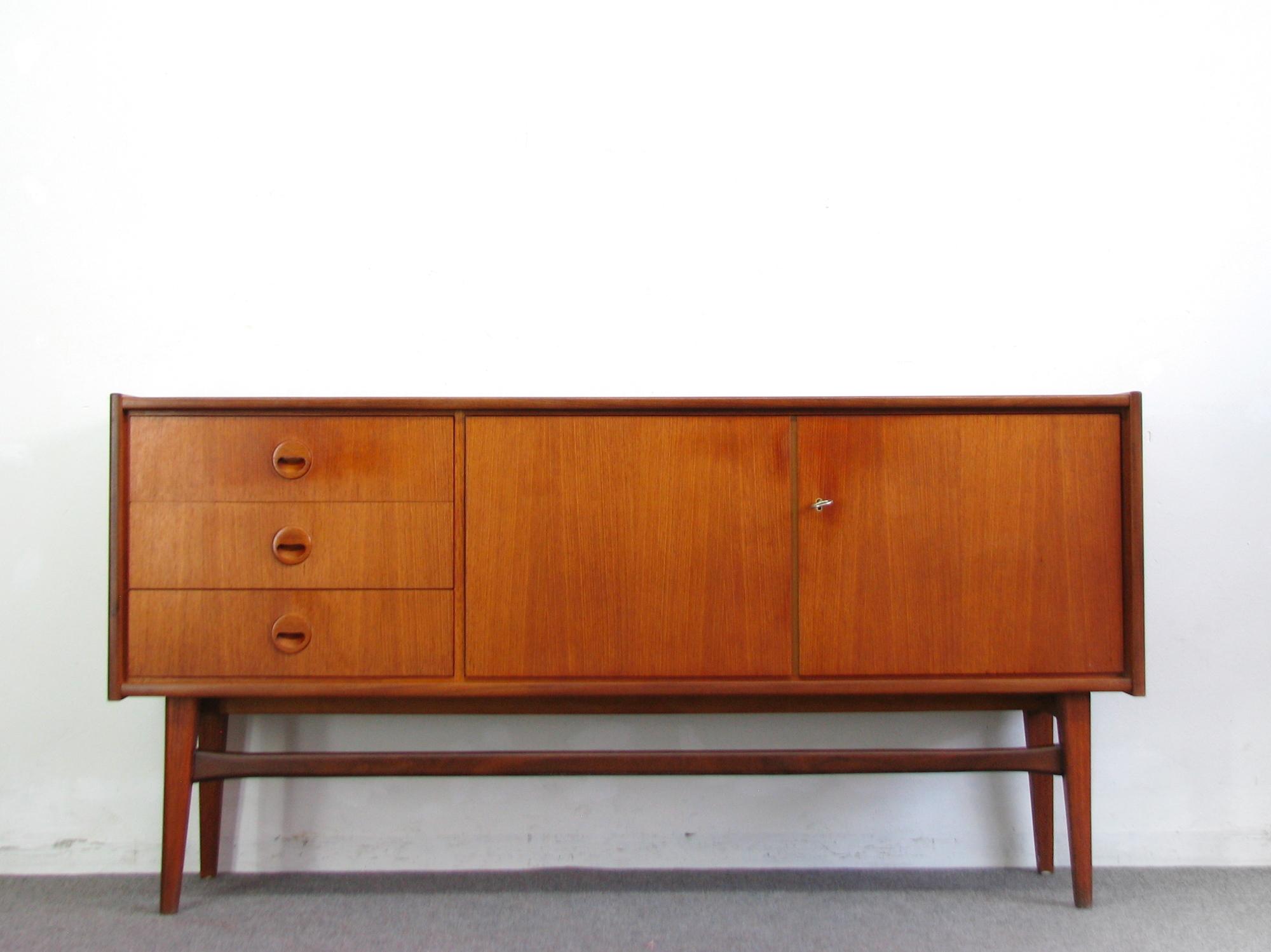 60s sideboard teak 155 cm credenza anrichte cabinet 50er. Black Bedroom Furniture Sets. Home Design Ideas